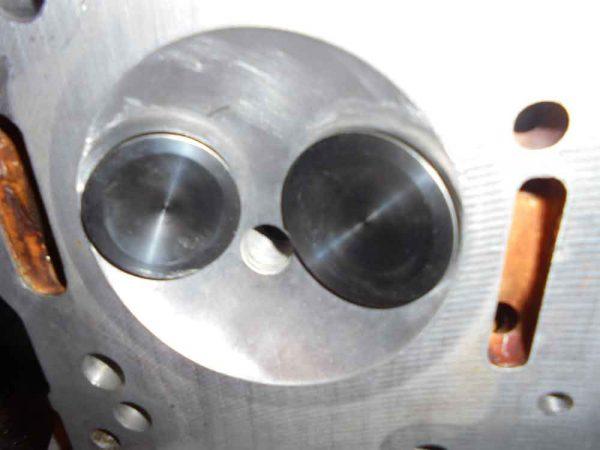 Alfa Romeo V6 valves