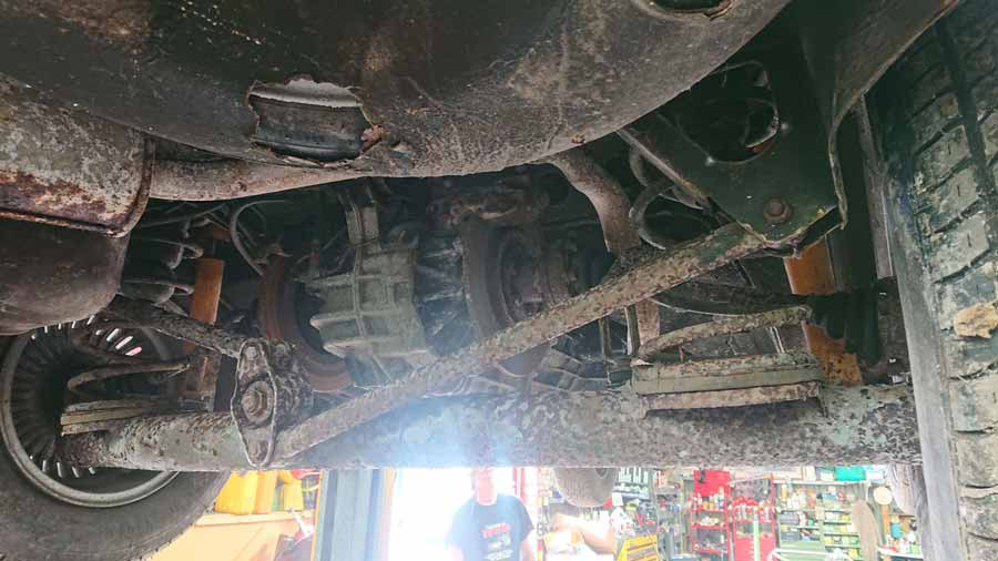 Alfetta GTV6 restoration project underneath